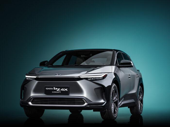 تويوتا Toyota bZ سيارة مكهربة جدية
