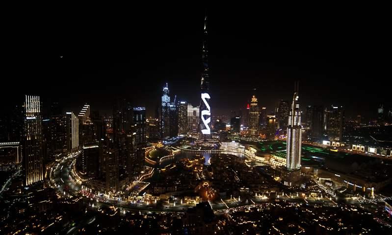 عرض كيا عبر برج خليفة