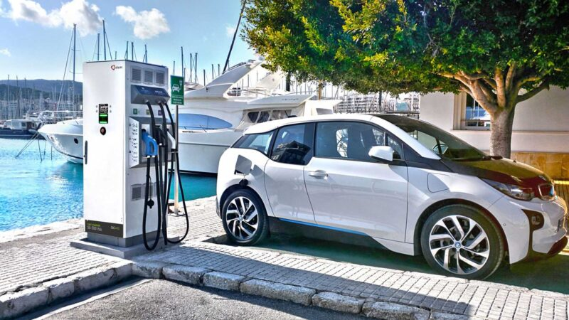 efacec dc fast charger amp bmw i3 مصطلحات السيارات الكهربائية